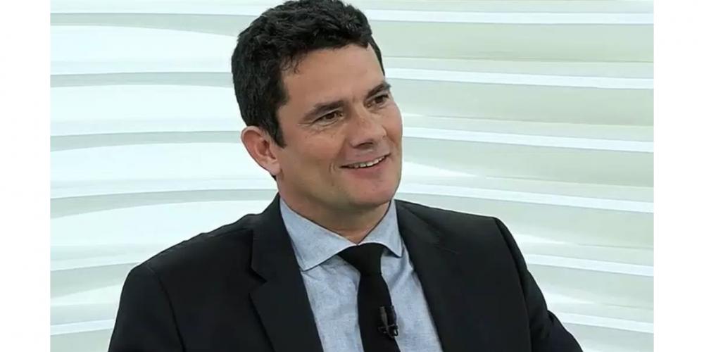 """Sérgio Moro participou do programa """"Roda Vida"""" nesta segunda-feira (26/03). Ele defendeu o auxílio-moradia por conta da falta de reajuste salarial"""