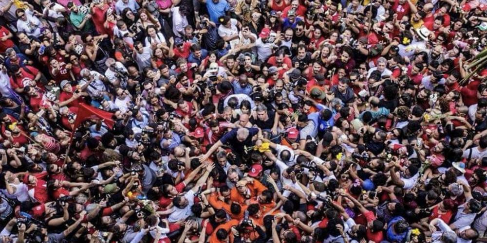 """Olha o que Sérgio Moro conseguiu fazer com o """"bandido"""" Lula. Ele precisa aprender… O resto é politicagem…"""