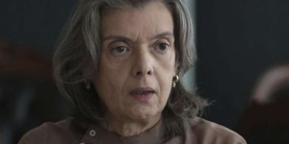 """O julgamento. Cármen Lúcia disse que usar Lula para rediscutir regra de prisão é """"apequenar"""" o STF"""